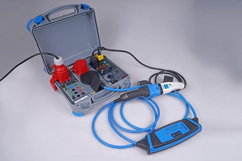 Sähköautojen latausaseman testaus