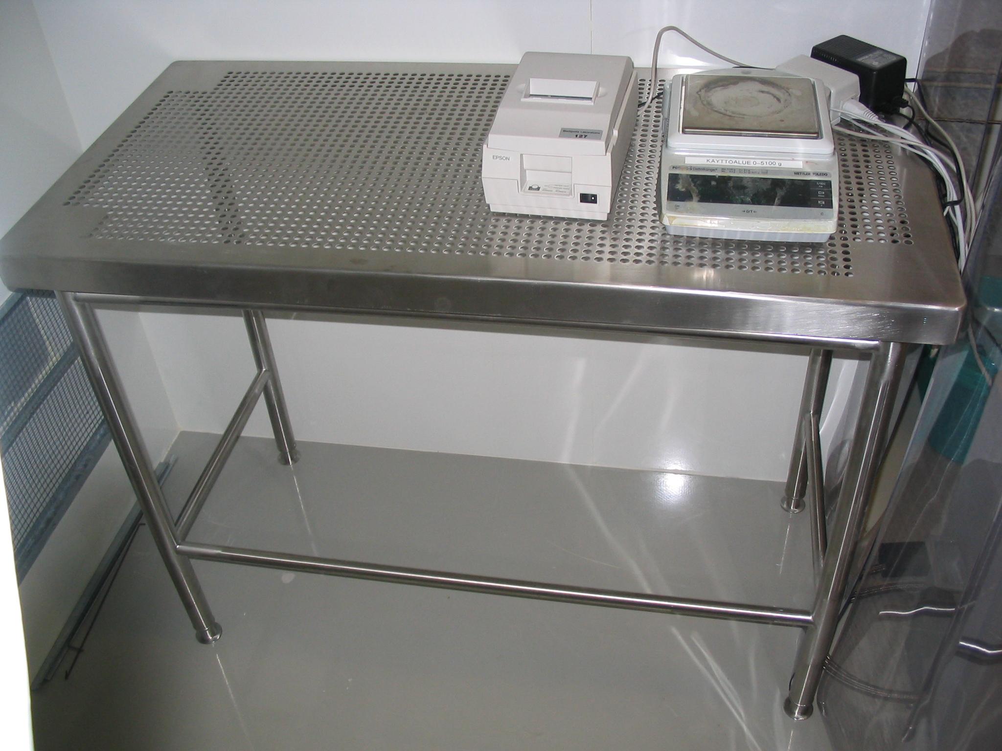 Puhdastilapöytä