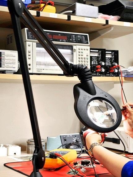 LED suurennuslasivalaisin ESD